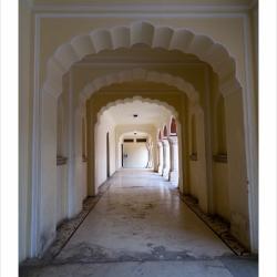 jaipurcitypalace_tunnel