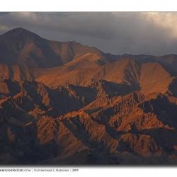 landscape_ladakh_goldenmountains1
