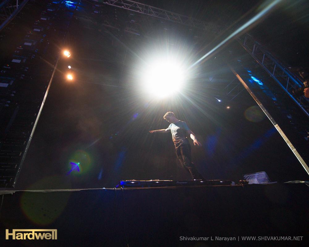 DJ Mag Top 100 DJ 2013 - Hardwell - No 1