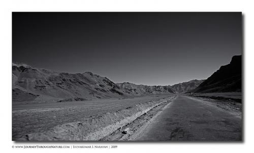 roadtoparadise landscape ladakh